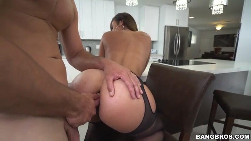 Sexo anal na cozinha