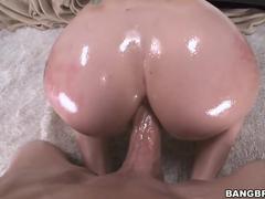Sexo anal com uma putinha lubrificada