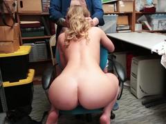 Sexo no trabalho com a secretária nova