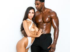 Jogador de basquete deixando a morena satisfeita no sexo